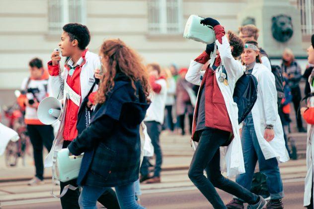 Demonstrierende Jugendliche