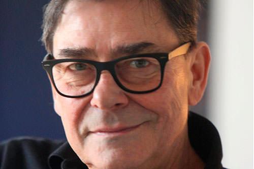 Gesicht eines Mannes mit Brille